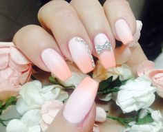 #nails #pink #peach #glitter #spring