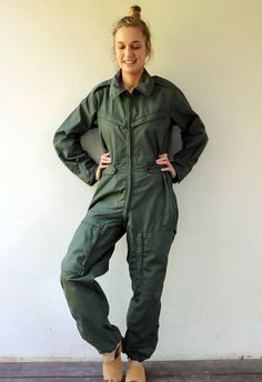 Retro Outfits, Cute Outfits, Vert Olive, Overalls Outfit, Playsuit Romper, Mode Hijab, Colorful Fashion, Jumpsuits For Women, Rompers
