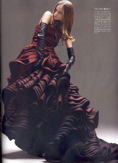 "Natasha Poly ""couture at the door"" VOGUE JAPAN"