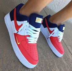 Air force ones Shoe trees are no new concept but Sole Trees brings protection to the shape and integrity of sneakers like never before Sneakers Fashion, Fashion Shoes, Shoes Sneakers, Nike Red Sneakers, Nike Shoes Blue, Shoes Jordans, Crazy Shoes, Me Too Shoes, Souliers Nike
