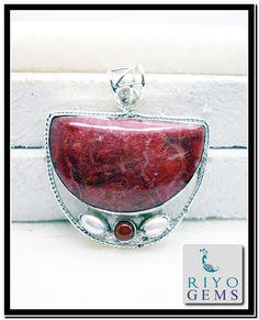 Handmade Silver pendant by Riyo Gems www.riyogems.com