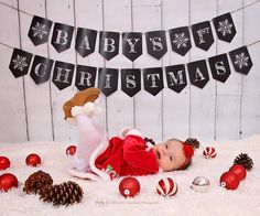 Baby's First Christmas Bunting, Chalkboard Christmas Banner, PRINTABLE BANNER, First christmas sign, Christmas prop, baby prop #PrintableBanner #chalkboard #christmas #BabyPhotoshoot #ChristmasIdeas #ChristmasBanner #BabysFirst #ChristmasBaby #ChristmasDecor #BabyBanner