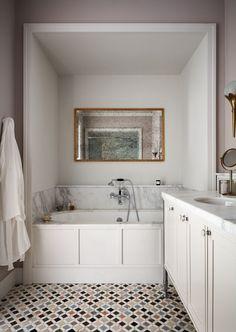 Home Interior Lighting Maison de la Luz Hotel in New Orleans Modern Bathroom, Small Bathroom, Master Bathroom, White Bathroom, Marble Bathrooms, Bathroom Mold, Bathroom Baskets, Bathrooms Decor, Minimalist Bathroom