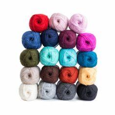 Tennarisukat - Kaupunkilanka Throw Pillows, Pets, Toss Pillows, Cushions, Decorative Pillows, Decor Pillows, Scatter Cushions, Animals And Pets