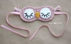 TUTO Absolutely adore this Crochet Sleepy Owl Mask from the Repeat Crafter Me… Crochet Owls, Crochet Diy, Love Crochet, Crochet For Kids, Crochet Patterns, Crochet Mask, Knitting Projects, Crochet Projects, Owl Mask