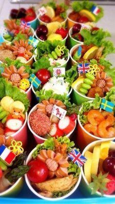 お好みのおかずを紙コップに詰めるだけ♪ Cute Food, A Food, Food And Drink, Bo Bun, Charcuterie Recipes, Bento Recipes, Rainbow Food, Snack Bowls, Picnic Foods