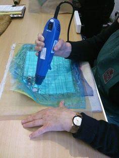 Experimental Textiles with textile artist Kim Thittichai « Colouricious Sculpture Textile, Textile Fiber Art, Textile Artists, Fabric Painting, Fabric Art, Fabric Crafts, Diy Crafts, Textiles Techniques, Art Techniques