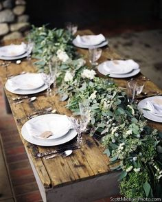 Thanksgiving Day table decor - close to nature helps you to appreciate all you have.