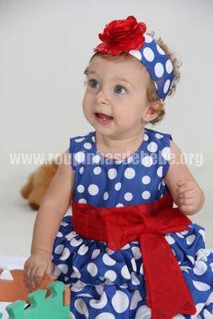 Vestido da Galinha Pintadinha para Bebê com faixa de cabelo decorada com rosa vermelha em cetim. Outros modelos de vestidos infantil da galinha pintadinha estão no site http://www.eroupasdebebe.com/vestido-da-galinha-pintadinha