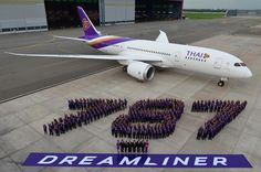 Thai's first 787 is delivered http://www.airportspotting.com/thai-airways-a300-retires-787-arrives/