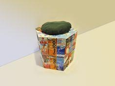 Tag 622: Gastbeitrag – Tetrapakhocker Für den täglichen Gebrauch in unterschiedlichen Höhen und Breiten machbar. Material: Schere, durchsichtiges Klebeband, 54 Tetrapacks (für einen Block)