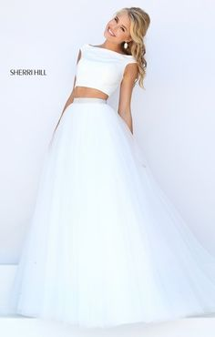Shop prom dresses and long gowns for prom at Simply Dresses. Floor-length evening dresses, prom gowns, short prom dresses, and long formal dresses for prom. Sherri Hill Prom Dresses, Prom Dresses 2016, Ball Dresses, Ball Gowns, Formal Dresses, Prom 2016, Sherri Hill White Dress, White Prom Dresses, Pretty Dresses