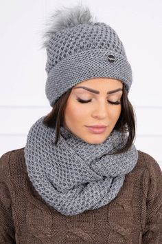 Zimný set s krásnym pleteným vzorom. čiapka a šál grafitová Crochet, Fashion, Moda, Crochet Crop Top, Chrochet, Fasion, Crocheting, Knits, Trendy Fashion