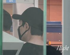 Lee Min Ho, Incheon airport, 20160622, heading to Beijing for Bounty Hunters movie premier.