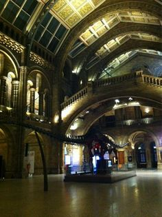 Ivvet Modinou @IvvetM  Goodnight Science Uncovered! Had a great time! Central Hall has returned to normal... #SU2012 pic.twitter.com/0b3vrEur