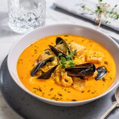 Bouillabaisse - grundrecept - Recept - Tasteline.com Immersion Blender Recipes, Yummy Food, Tasty, Bolognese, Seafood Recipes, Thai Red Curry, Cake Recipes, Food And Drink, Snacks