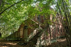 Hart Island: an Abandoned Hospital Atop a Mass Grave Site in Bronx, NY