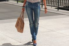 Skinny jeans and pumps <3 Also love the bag.