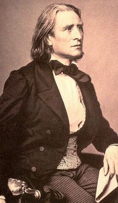 Franz Liszt (Liszt Ferenc) - Hungarian composer, virtuoso pianist, conductor,teacher and Franciscan tertiary. Classical Music Composers, Celebrity Gallery, Opera Singers, I Icon, Black White Photos, Famous Artists, Famous Faces, Ballet, Art Music