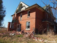 Abandoned House on Highway 9, Caledon, Ontario
