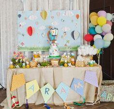 Festa infantil decorada com tema balão (Hot air balloon birthday party)