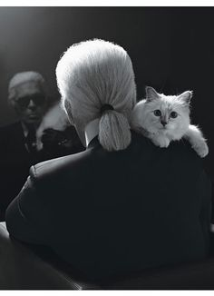 Karl Lagerfeld with his kitten Choupette. Photo by Karl Lagerfeld Karl Lagerfeld Choupette, The Animals, Hipster Grunge, Grunge Goth, Crazy Cat Lady, Crazy Cats, Christian Dior, Celebrities With Cats, Celebs