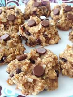 Healthy Peanut Butter Oatmeal Cookies - Snack or Dessert no eggs, no oil, no flour & no added sugar. but still yummy! even good for breakfast on the go! Just Desserts, Delicious Desserts, Yummy Food, Tasty, Low Fat Desserts, Healthier Desserts, Delicious Cookies, Yummy Treats, Sweet Treats