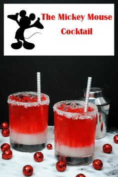 Adult Disney lovers, this Mickey Mouse Cocktail is for you! Featuring the telltale colors of everyone's favorite mouse, this drink is certain to bring some cheer to your Disney-themed party. Have a little fun at Disney Cocktails, Cocktail Drinks, Fun Drinks, Yummy Drinks, Mixed Drinks, Beverages, Disney Themed Drinks, Disney Alcoholic Drinks, Disney Themed Party