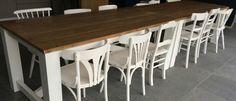 Landelijke tafel gecombineerd met verschillende caféstoelen. Mix en Match. @Oudisnieuw @Biddinghuizen