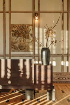 Light in guest check-in at the Austin Proper Hotel gets unreal. It was pure magic working with Kelly Wearstler when we plopped this branch into the giant vessel. Photographed by The Ingalls Kelly Wearstler, Wenge Wood, Cypress Wood, Private Dining Room, Treatment Rooms, Wall Treatments, 2020 Design, Design Design, Floral Design