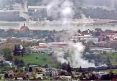 Rotorua is a New Zealand's city known for having one of the world's most lively fields of geothermal activity, featuring geysers, hot springs and mud pools Great Places, Beautiful Places, Rotorua New Zealand, New Zealand North, South Pacific, Hot Springs, E Bay, Scenery, Places To Visit