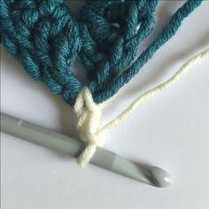 How to Crochet a Granny Square Blanket #Crochet #GrannySquare #Blanket