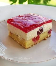 """This really is the best low carb and keto cheesecake. Even my non-keto family proclaimed """"This is the best cheesecake I have ever had! Best Cheesecake, Pumpkin Cheesecake, Strawberry Squares Recipe, Romanian Desserts, Cake Recipes, Dessert Recipes, Sweet Tarts, Cake Cookies, Favorite Recipes"""