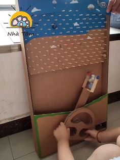 Cardboard Crafts, Paper Crafts, Cardboard Boxes, Diy Crafts For Kids, Fun Crafts, Indoor Games For Kids, Family Fun Games, Diy Games, Baby Play