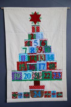 Weihnachten-Adventskalender mit Taschen. Countdown bis Weihnachten. Stoff Wand hängen. Erbstück-Adventskalender. Kindes 24 Taschenkalender. on Etsy, 108,39€