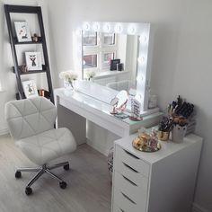 Tag a friend 💗 Rangement Makeup, Vanity Room, Glam Room, Room Decor Bedroom, Bedroom Ideas, Master Bedroom, Beauty Room, Dream Rooms, My New Room