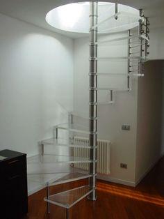 Escalera de caracol / estructura de acero inoxidable / peldaño de vidrio / con zancas laterales ACRYL GLASS SCIRIA Siller Stairs