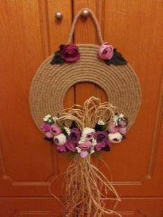Decoration, Grapevine Wreath, Wicker Baskets, Grape Vines, Diy And Crafts, Unique Gifts, Wreaths, Christmas, Painting