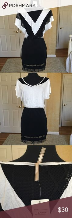 SOLEMIO Black & White Dress Fun b&w dress - perfect for date night, going out with the girls, or running errands (paired with white sneakers& a jean jacket). Love this dress just too big on me! Never worn before. solemio Dresses Mini