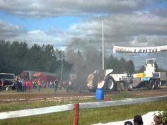 Tractor motor have cough @ Haapajärvi, Finland 2010