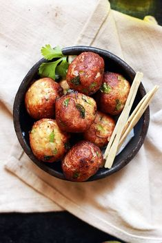 Paneer kofta recipe with step by step photos. Learn how to make paneer kofta, an easy one among paneer recipes with this easy recipe Potluck Recipes, Snack Recipes, Dinner Recipes, Cooking Recipes, Indian Snacks, Indian Food Recipes, Vegetarian Recipes, Easy Paneer Recipes, Vege Burgers