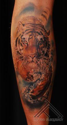 Realistic tiger tattoo @marispavlo