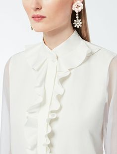 Formal Blouses, Cute Blouses, Blouses For Women, Girls Dresses Online, Blouse Designs Silk, Stylish Girls Photos, Blouse And Skirt, Dress Sewing Patterns, Office Fashion