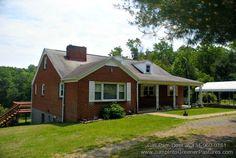 Buena Vista VA Home for Sale | 712 Stuartsburg Rd #BuenaVistaHomesForSale #BuenaVistaHorseFarms #CentralVirginaHorseFarms #PamDent