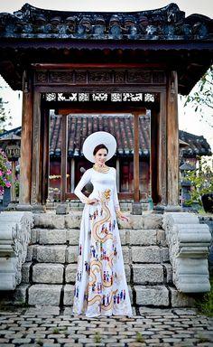 "vietnam, ethnic groups in Vietnam, capital saigon ( ho chi minh city ) , south vietnam , "" ao dai vietnam """