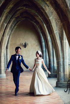 イタリア・アマルフィにてご結婚式をされた本当に素敵な花嫁様 gnomeのウエディングドレスに クラシカルなアンティークハット・パールのアクセサリーを合わせたスタイリングが まるでオードリーヘップバーンよう・・・ バランスのとれたクラシカルなコーディネートでおしゃれで可憐な花嫁に。