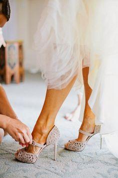 Chic and Silk: BRIDAL: Νυφικά Παπούτσια! 50 Σχέδια! Βρείτε το Δικό σας