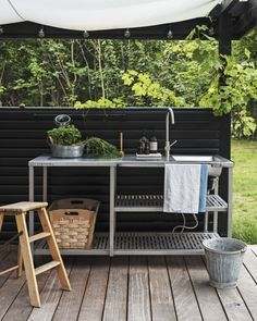 Discover recipes, home ideas, style inspiration and other ideas to try. Outdoor Life, Outdoor Spaces, Outdoor Living, Outdoor Decor, Greek Garden, Summer House Garden, Beach Cottage Style, Bungalow, Fabric Houses