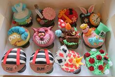Alice in Wonderland cupcakes @Abby Bauss are these not the coolest cupcakes youve ever seen?