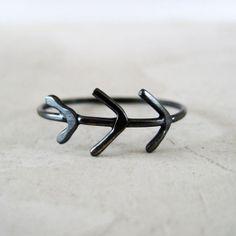 Three Little Arrows Ring - black silver ring